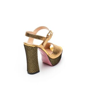 Sandalo oro con plateau Tipe e Tacchi